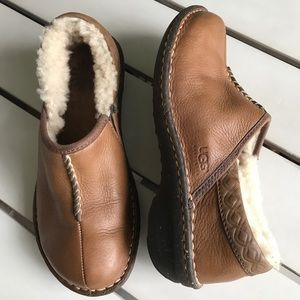 UGG Leather Bettey style 1928 Shoes Tan Sz 6